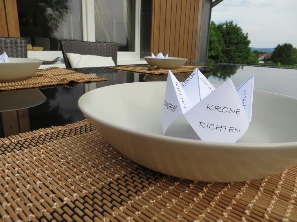 hinfallen aufstehen krone richten diy tischdeko. Black Bedroom Furniture Sets. Home Design Ideas